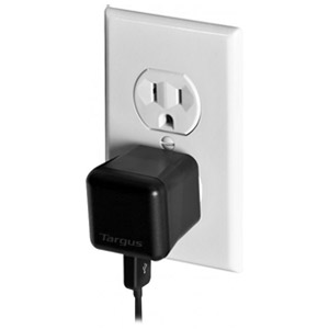 Targus Universal USB Charger for Tablets, Smartphones, and Apple iPad 1, 2 & 3 - APA1401US (Black)